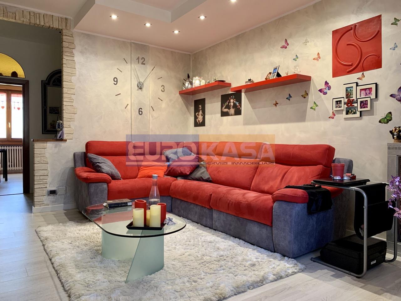 Appartamento ristrutturato in vendita Rif. 12084312