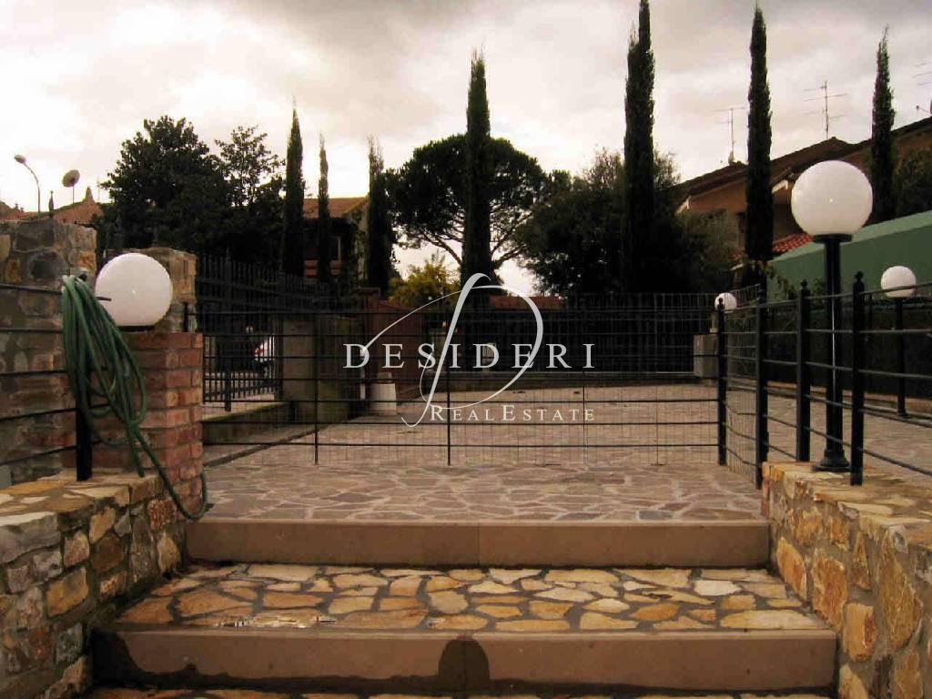 Casa Indipendente in buone condizioni in vendita Rif. 6380990