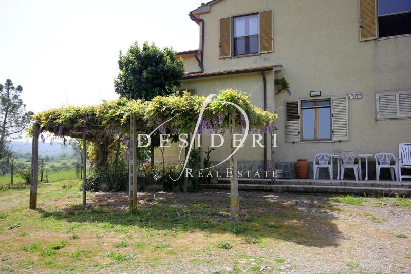 Rustico / Casale in buone condizioni in vendita Rif. 6381083