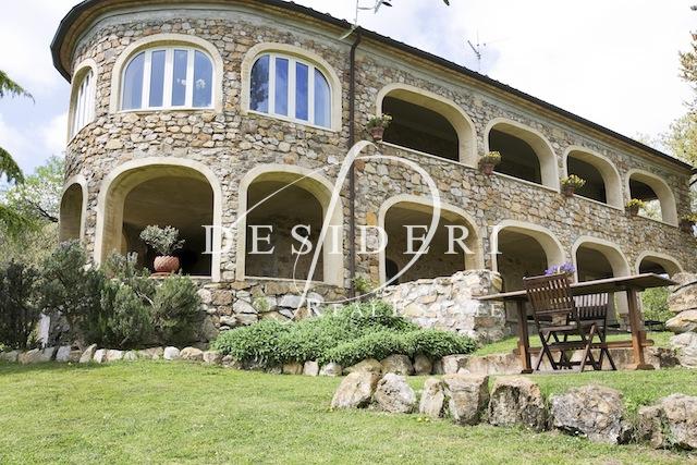 Rustico / Casale in ottime condizioni in vendita Rif. 6381150