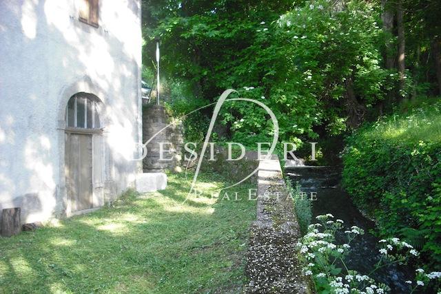 Rustico / Casale in discrete condizioni in vendita Rif. 6381144