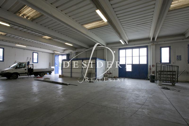 Magazzino - capannone in buone condizioni in vendita Rif. 6381200