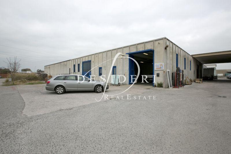 Magazzino - capannone in buone condizioni in vendita Rif. 6381201