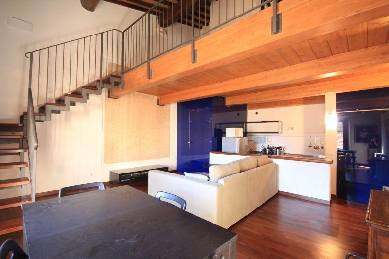 Appartamento in ottime condizioni arredato in affitto Rif. 7547045