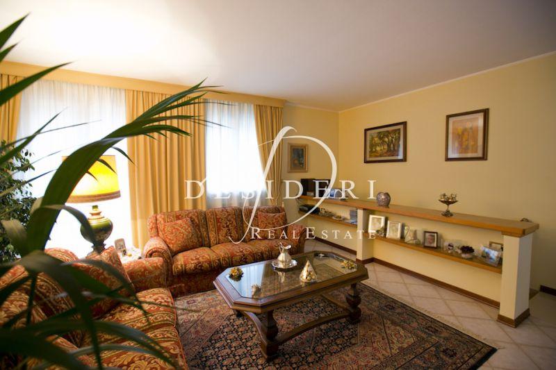 Villa in ottime condizioni in vendita Rif. 6380934