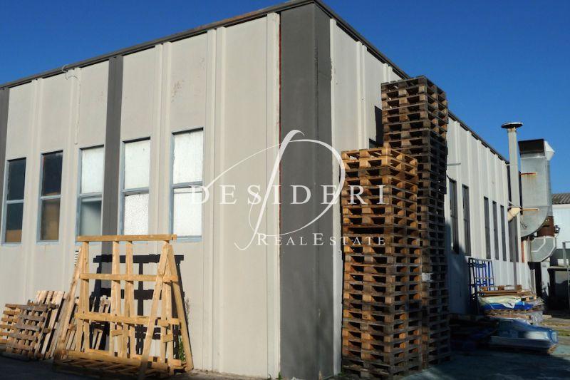 Magazzino - capannone in buone condizioni in vendita Rif. 6381258