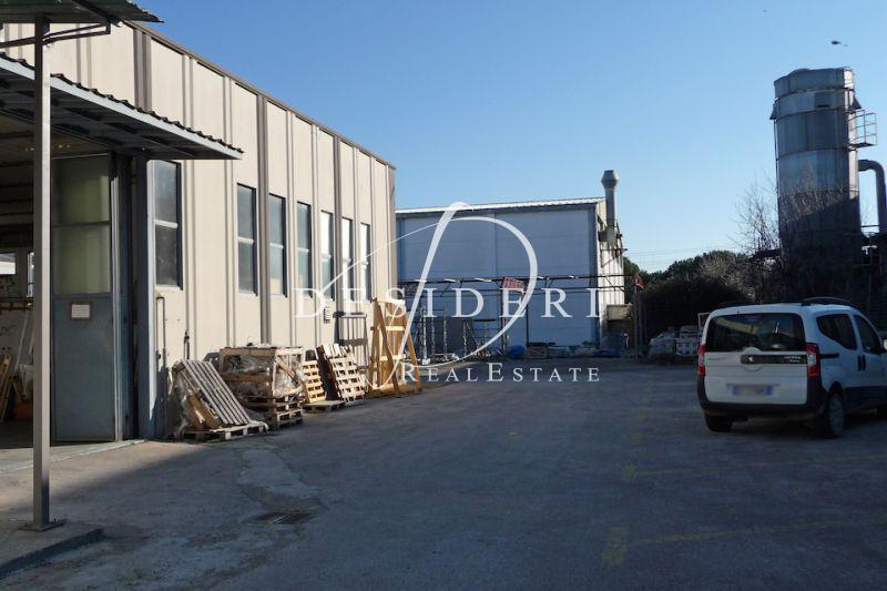 Magazzino - capannone in buone condizioni in vendita Rif. 6381260