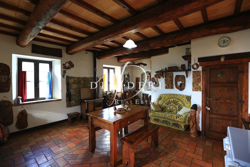 Rustico / Casale in ottime condizioni in vendita Rif. 6381340