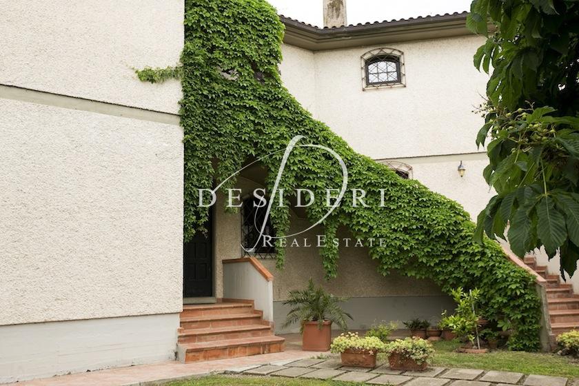 Villa in buone condizioni in vendita Rif. 6381275