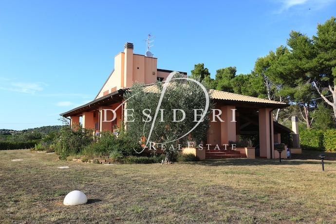 Villa in ottime condizioni in vendita Rif. 6381370