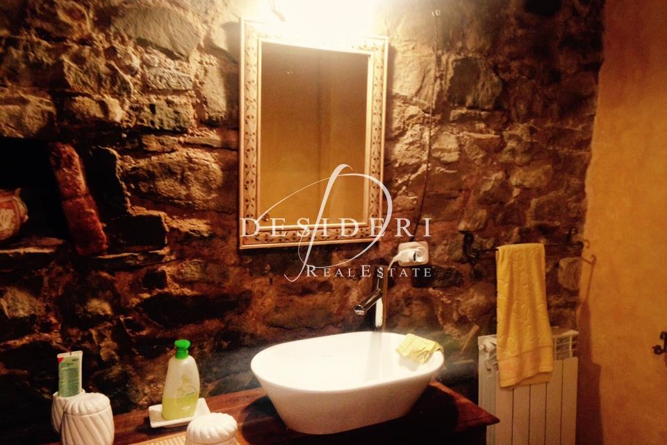 Casa Indipendente in ottime condizioni arredato in vendita Rif. 6381367