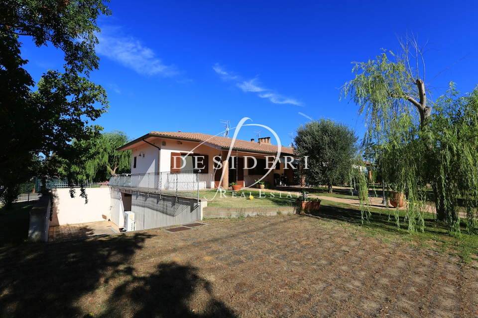 Villetta a schiera in ottime condizioni in vendita Rif. 6381288