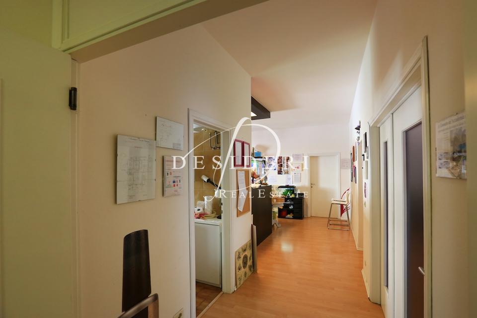 Ufficio in buone condizioni in affitto Rif. 6381429