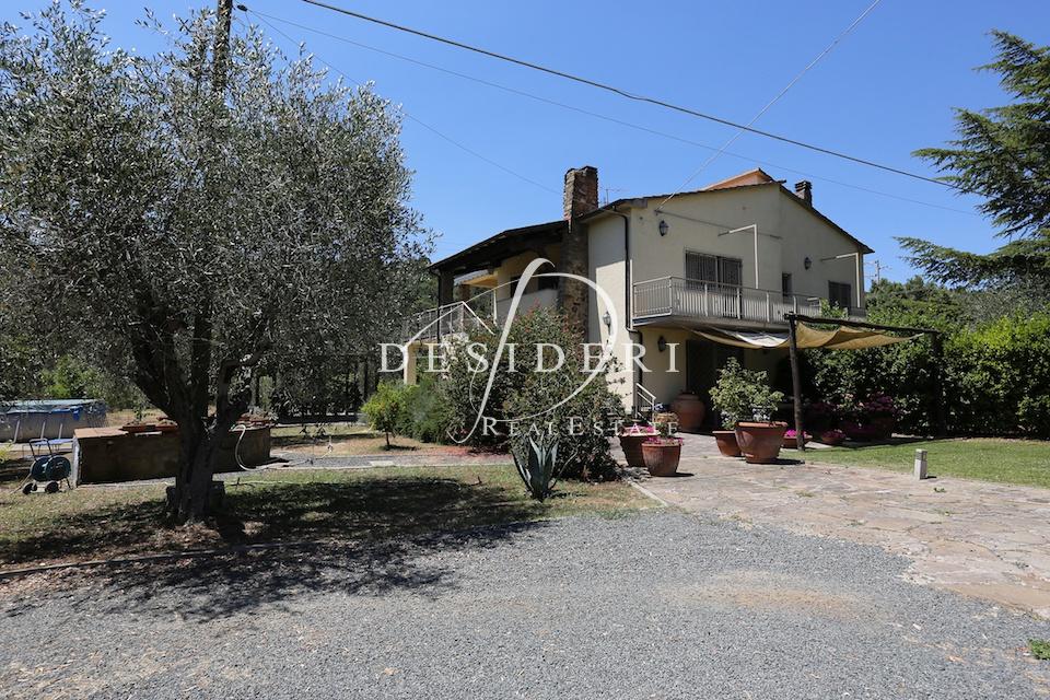 Rustico / Casale in buone condizioni in vendita Rif. 6381462