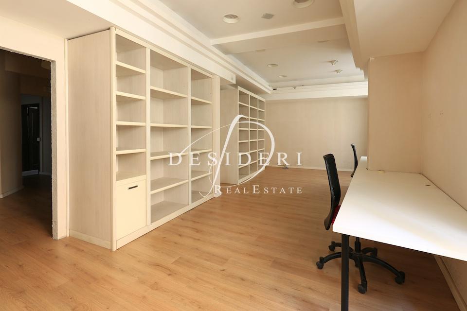 Ufficio in buone condizioni in affitto Rif. 6381477