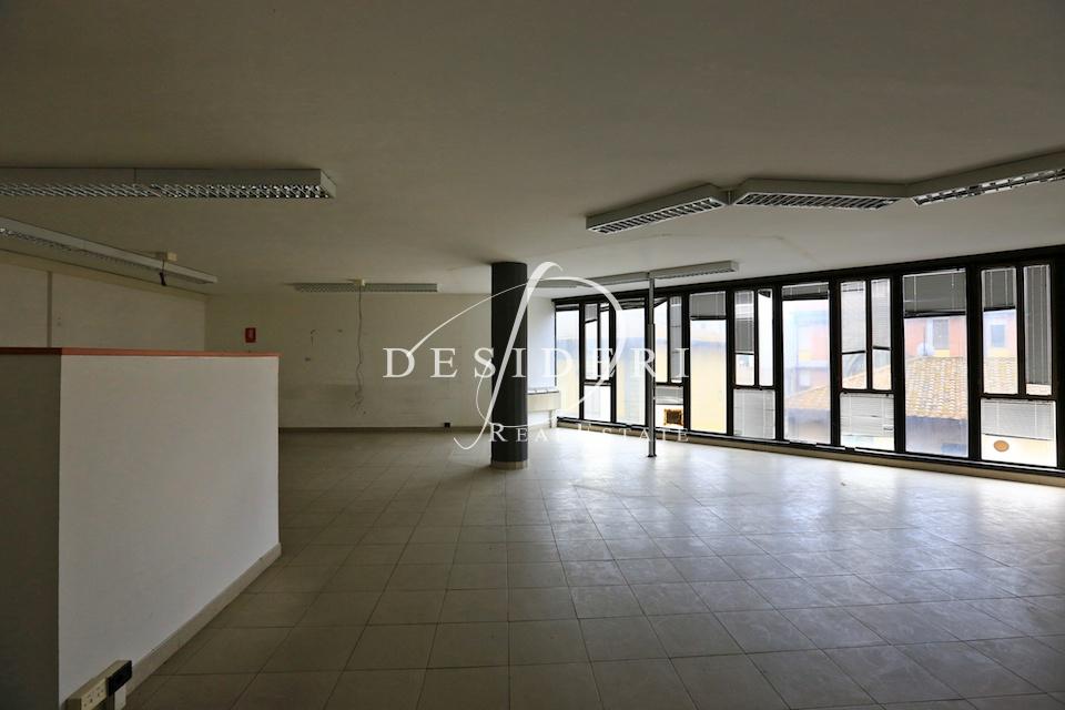 Ufficio in buone condizioni in vendita