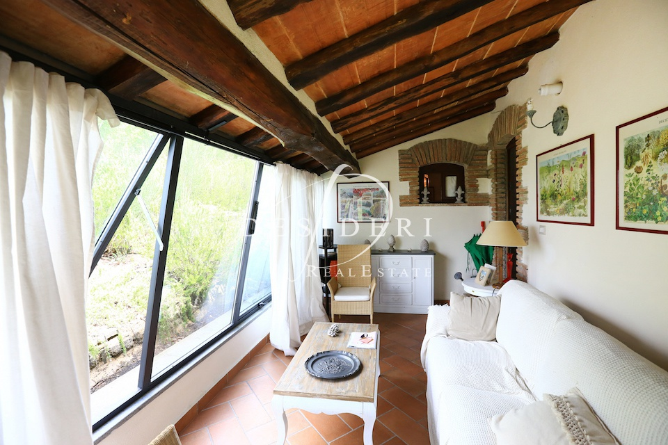 Rustico / Casale in buone condizioni in vendita Rif. 6381532