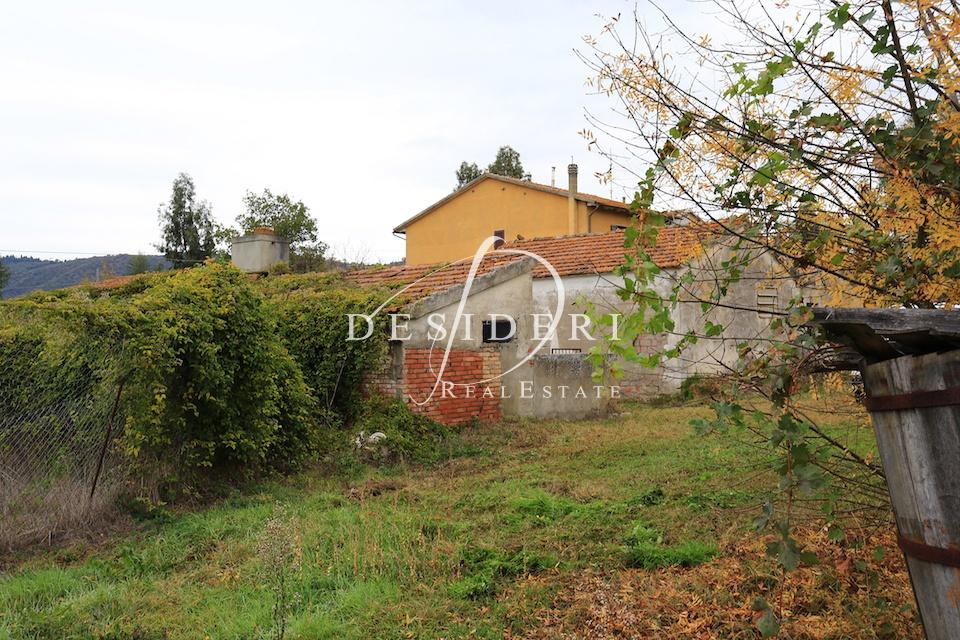 Rustico / Casale in discrete condizioni in vendita Rif. 6381537