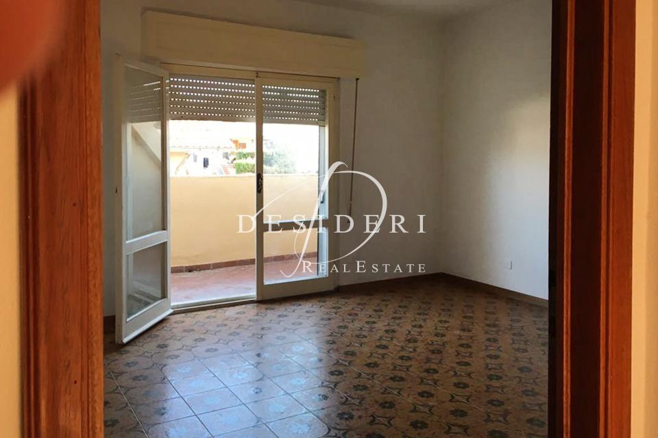 Appartamento in discrete condizioni in vendita Rif. 6381558