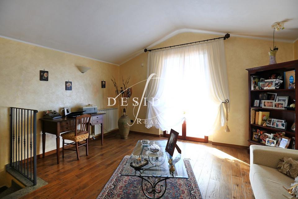 Villetta a schiera in ottime condizioni in vendita Rif. 6381323