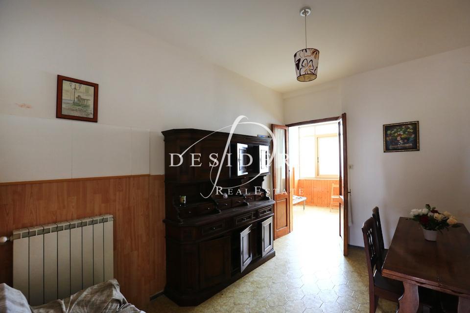 Appartamento in discrete condizioni in vendita Rif. 6381504