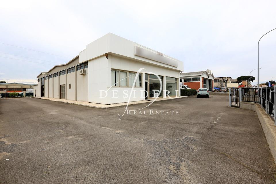 Magazzino - capannone in buone condizioni in vendita Rif. 6381472