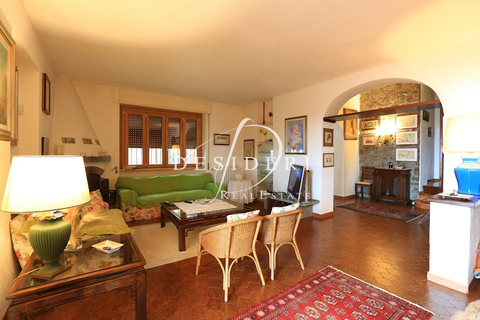 Villetta a schiera in buone condizioni in vendita