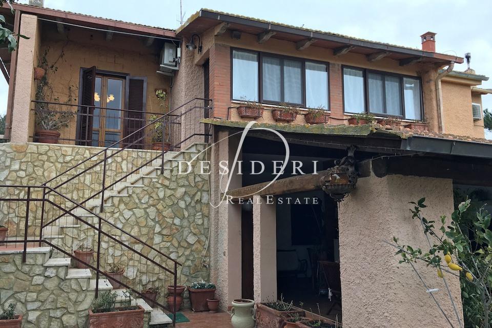 Rustico / Casale in buone condizioni in vendita Rif. 6399949