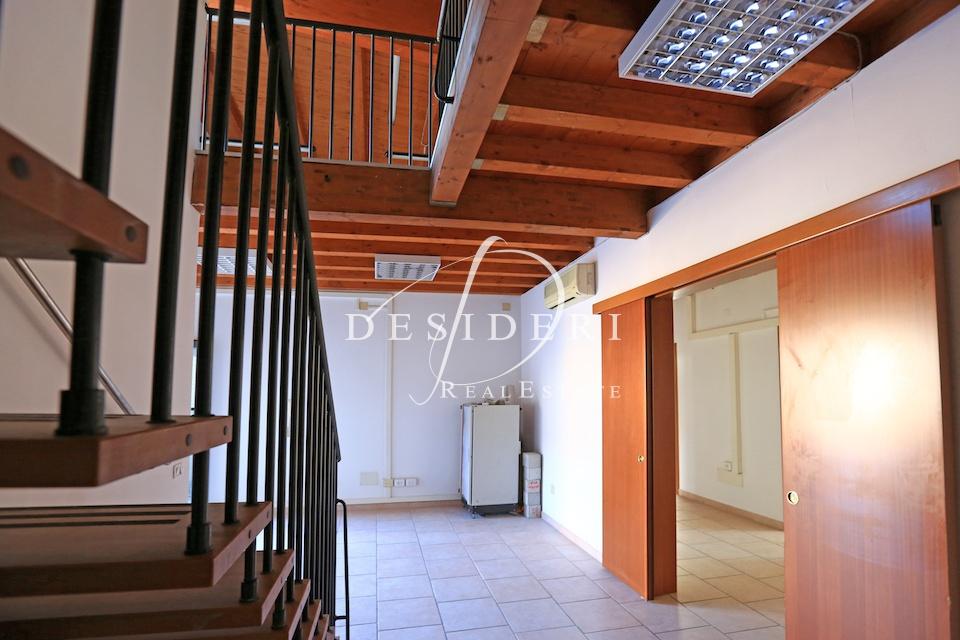 Ufficio in ottime condizioni in affitto Rif. 7331358