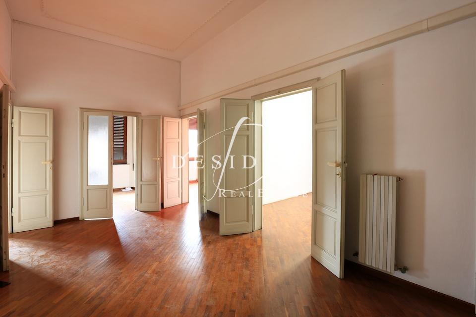Ufficio in buone condizioni in affitto Rif. 7145056
