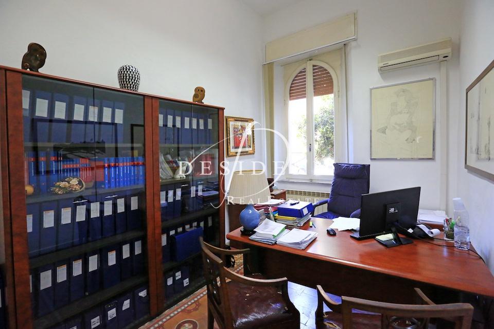 Ufficio in buone condizioni in affitto Rif. 7406320