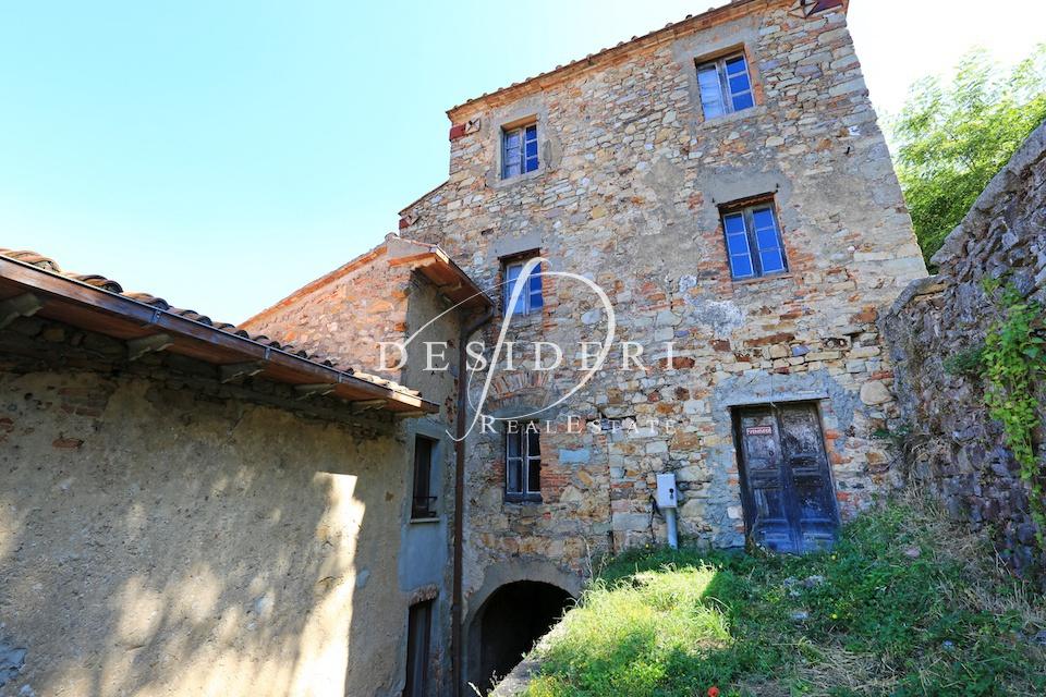 Stabile Intero - Palazzo, 400 Mq, Vendita - Roccastrada (GR)