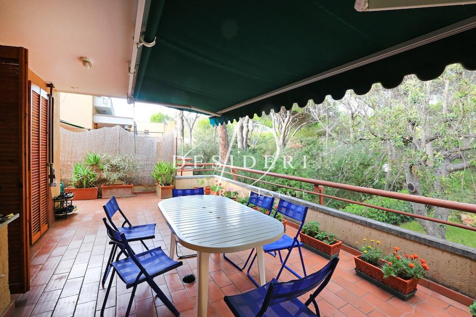 Appartamento in buone condizioni in vendita Rif. 7699779