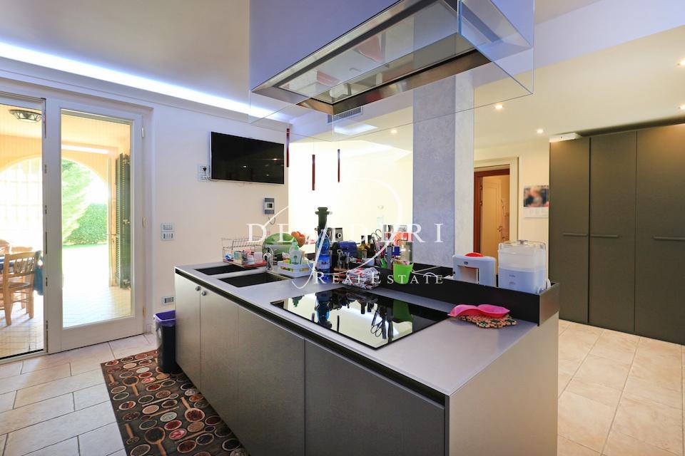 Villa in ottime condizioni in vendita Rif. 10046623