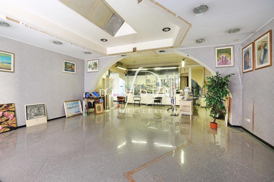 Terreno Commerciale da ristrutturare in vendita Rif. 8118352
