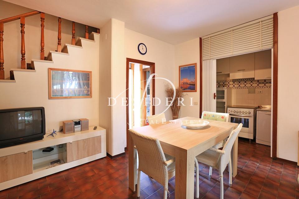 Appartamento in buone condizioni in vendita Rif. 9949187