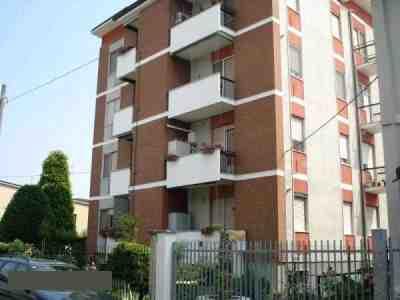 Bilocale Locate di Triulzi Via Donizetti, 1