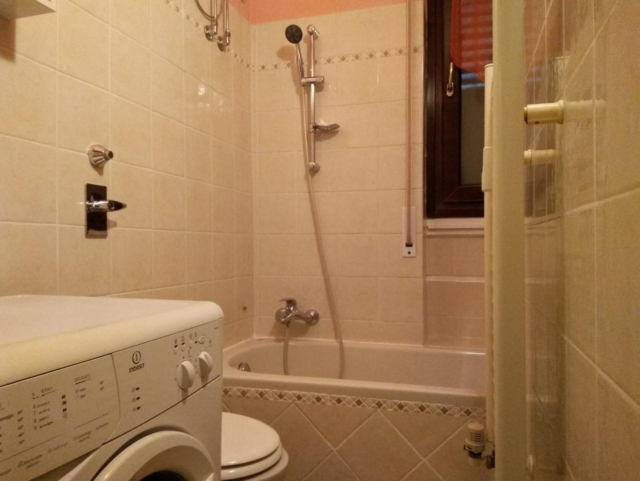 Appartamento in ottime condizioni arredato in affitto Rif. 10429299