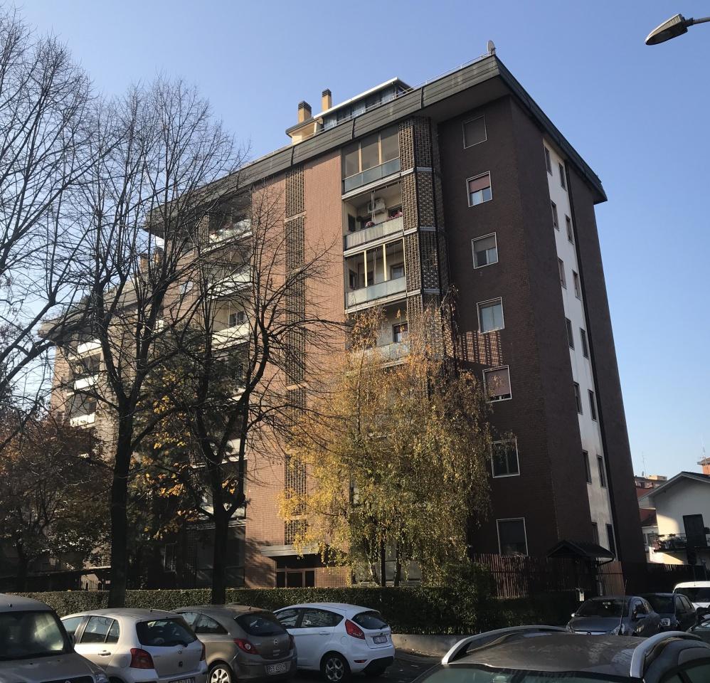Appartamento da ristrutturare arredato in affitto Rif. 8365353