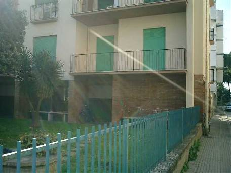 affitto appartamento follonica zona nuova VIA LITORANEA 5 locali  100 mq