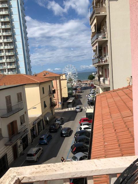 vendita appartamento follonica centro  190000 euro  4 locali  70 mq