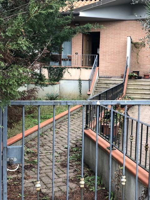Casa Indipendente in ottime condizioni in vendita Rif. 9370998