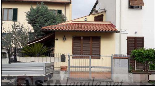 Appartamento monolocale in vendita a Campi Bisenzio (FI)