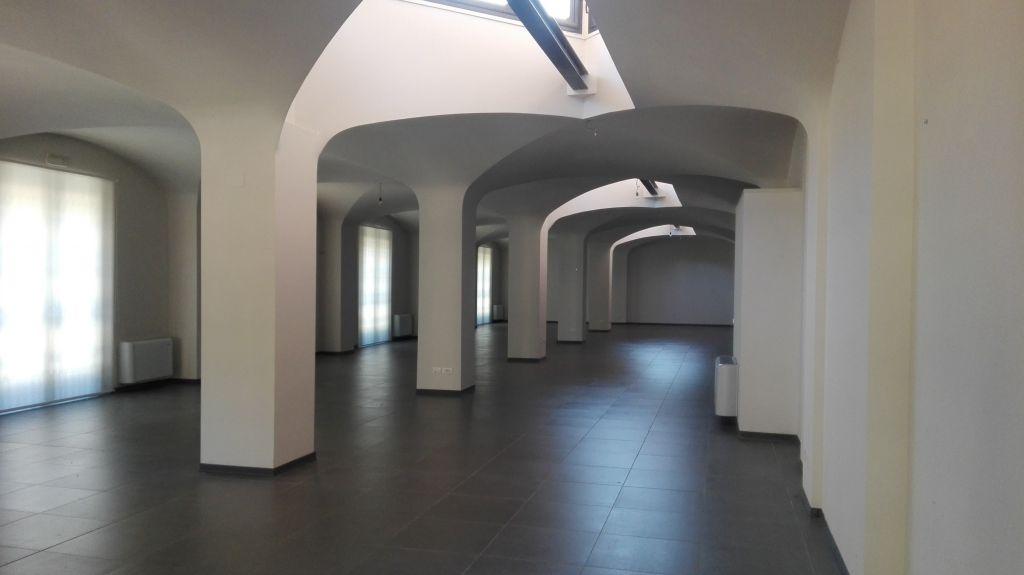 Ufficio / Studio in Affitto a Sesto Fiorentino
