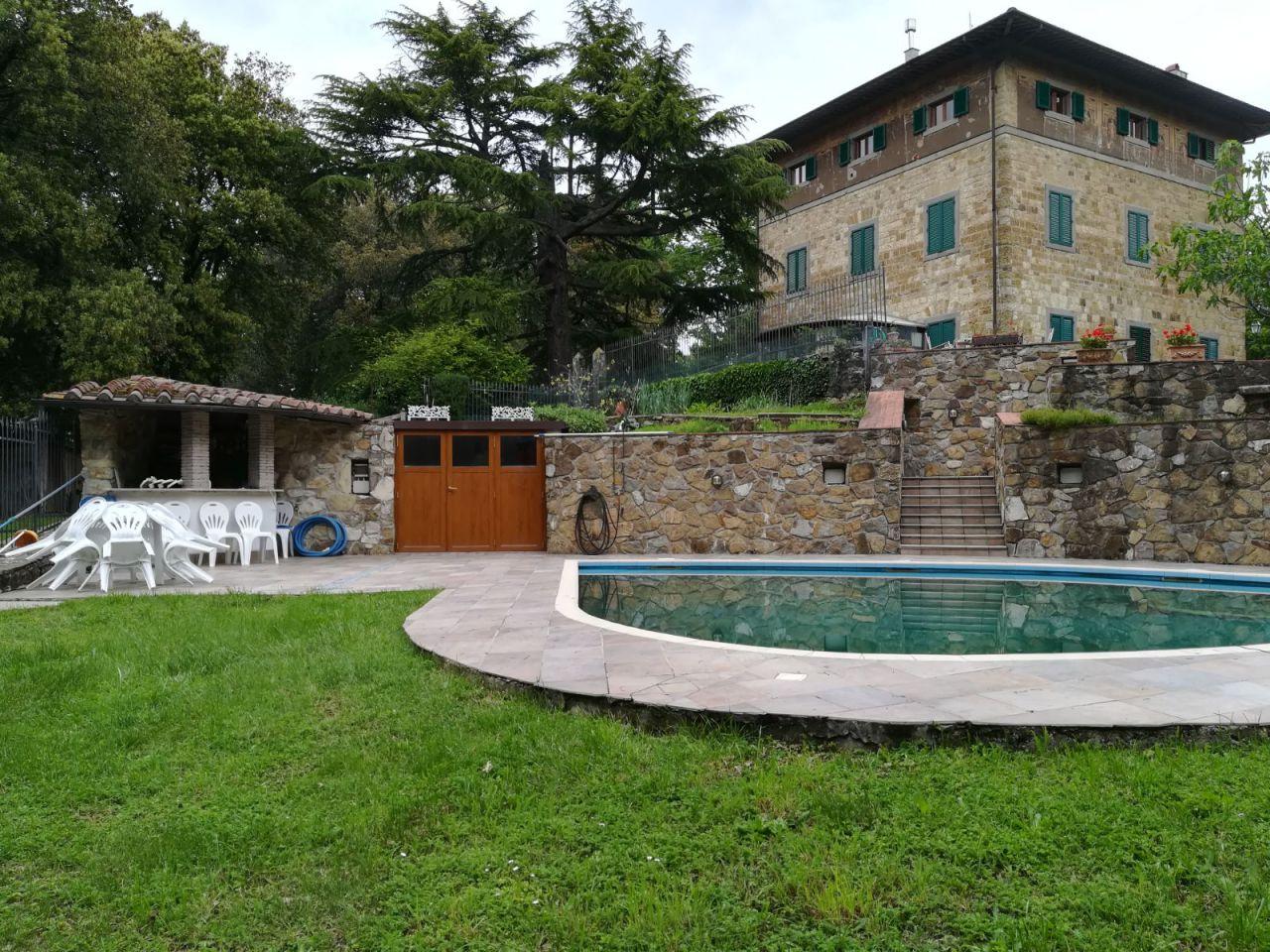 Villa in buone condizioni in vendita Rif. 8070505