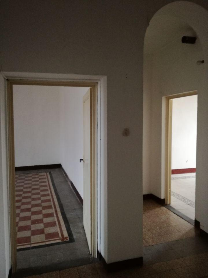 Appartamento in discrete condizioni in vendita Rif. 9313088