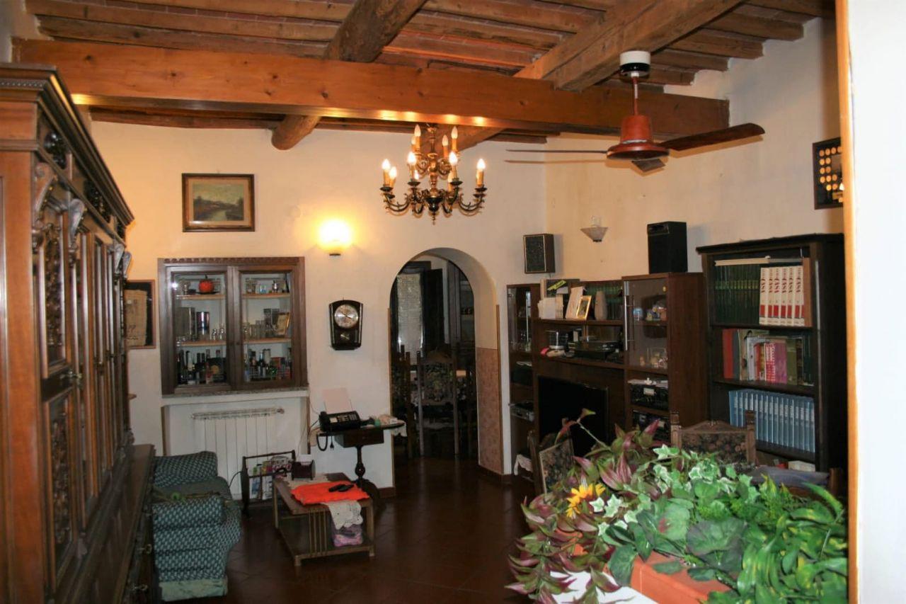 Rustico / Casale in buone condizioni in vendita Rif. 11196016