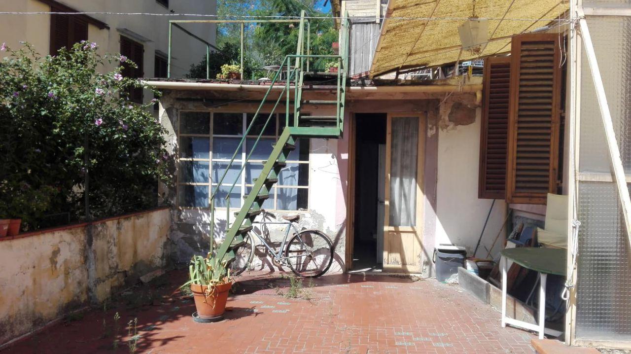 Appartamento in discrete condizioni in vendita Rif. 11092151
