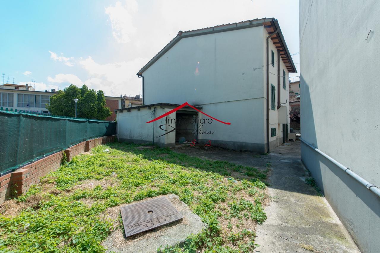 vendita terratetto rufina centro  185000 euro  5 locali  105 mq