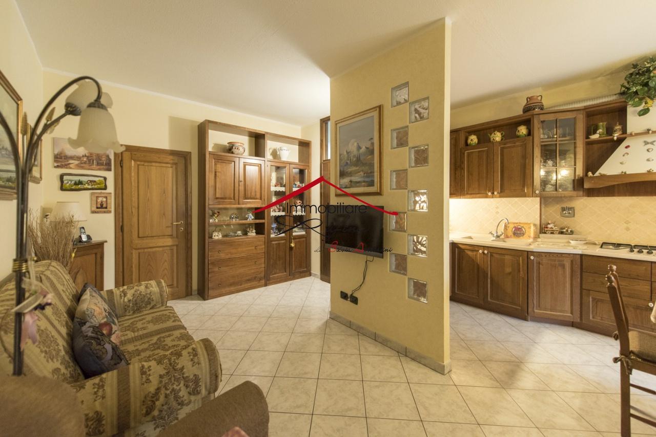Appartamento in ottime condizioni in vendita Rif. 8791708
